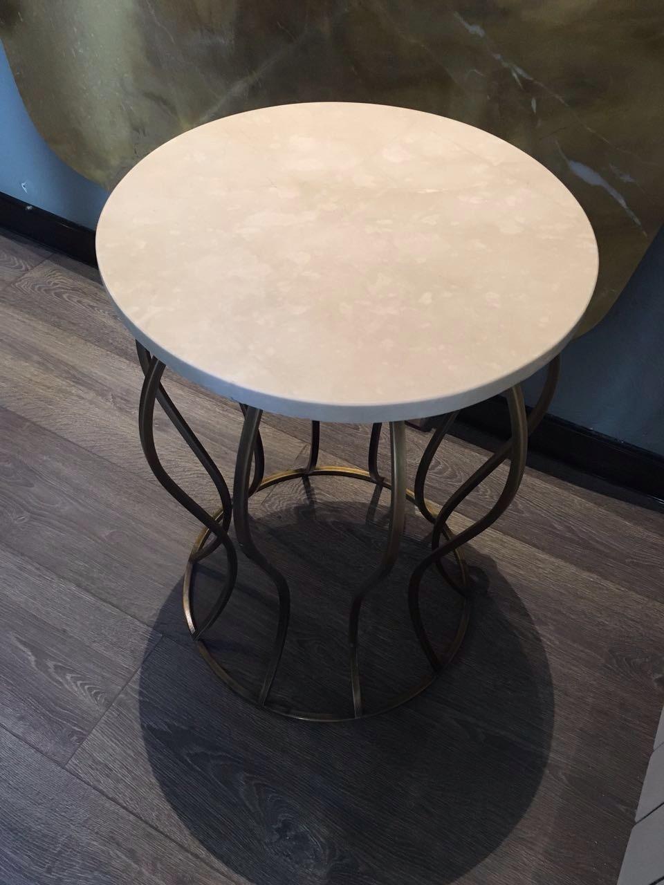 24 стол