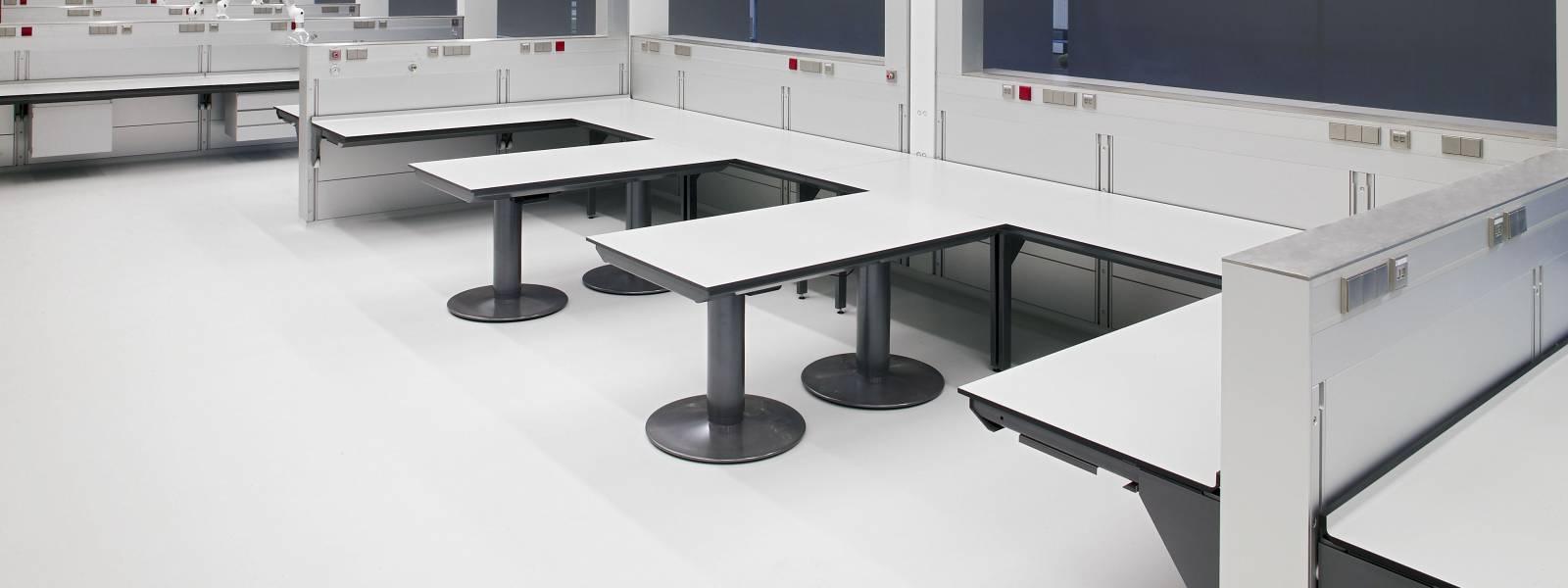Trespa interior — Голландский судебный институт. Нидерланды (Trespa TopLab Plus и Trespa TopLab Vertical)