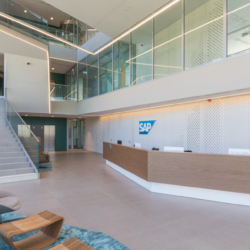 Swisspearl exterior - SAP Лобби