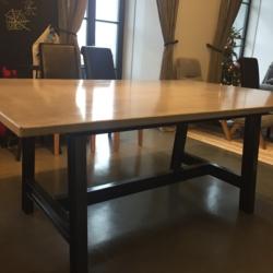 Hibeton interior - стол