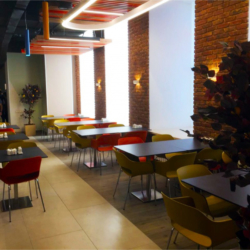 HPL и CDF — Кафе Оранжерея. РЖД. Москва. Россия (мебель)